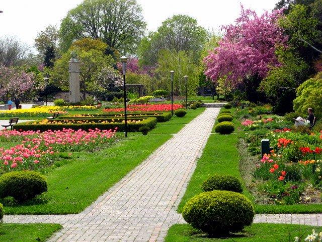 Windsor gardens downtown attraction tourist