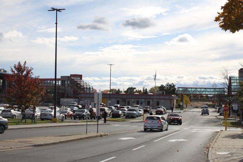 Gloucester Street Transit Train Ottawa Neighborhood