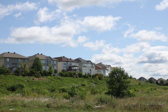 Kanata Ottawa Neighborhood house rentals on a hill rental
