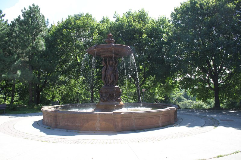 Sandy Hill Ottawa Neighborhood fountain attraction