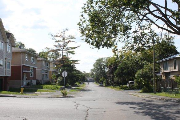 Lincoln Heights Ottawa neighborhood house rental