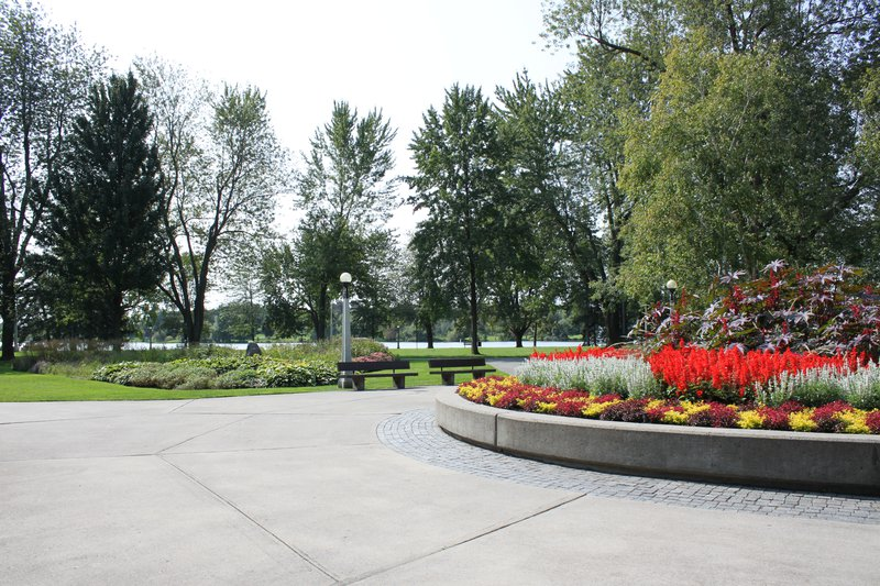 Dow's Lake Park Tulip Festival Ottawa neighbourhood