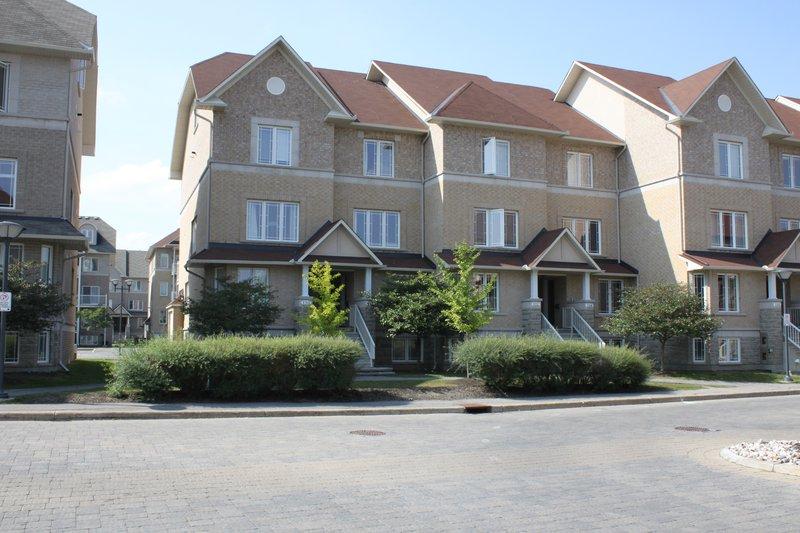 Centrepoint Townhouse Condominium Rental Rentals
