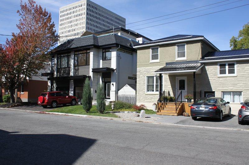 Student housing Ottawa Vanier Neighborhood