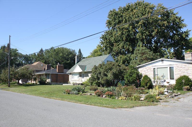 House Rental Rentals Carleton Heights Neighbourhood