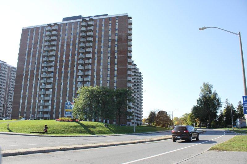 Alta Vista apartment building in Alta Vista, Ottawa rentals