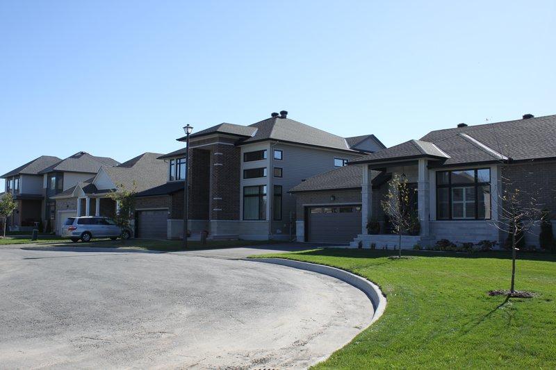 riverside south ottawa neighborhood townhouse rental bungalow rent