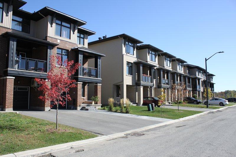 riverside south ottawa neighborhood townhouse for rent