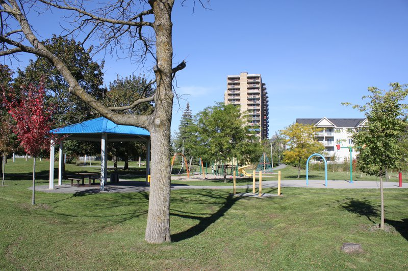 Heron Gate playground park Ottawa neighborhood