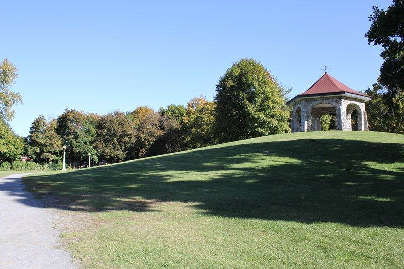 Lowertown Ottawa Neighborhood citadel gazebo tower hill