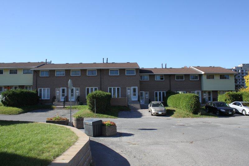 Lowertown Ottawa Neighborhood townhouse rental rentals