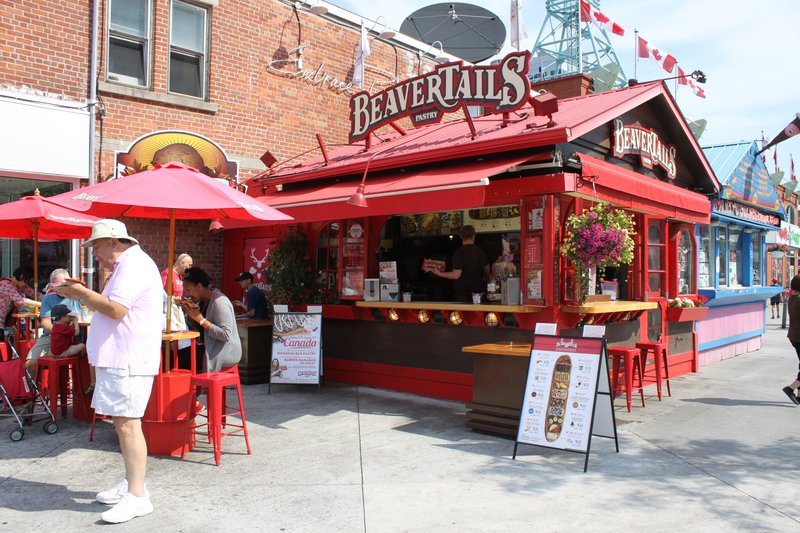 Ottawa beavertails downtown tourism tourists.JPG