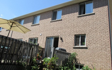1551 Gate Strt Reeves in Oakville, ON
