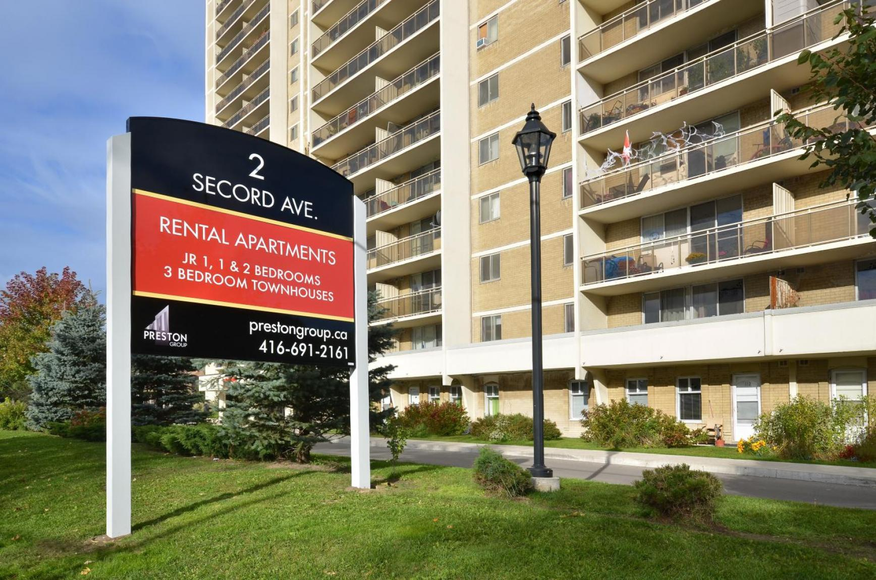 2 Secord Avenue in Toronto, ON