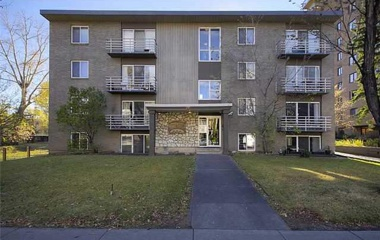 215 25 Ave SW in Calgary, AB