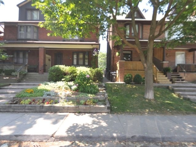 26 Bertmount Ave Rental