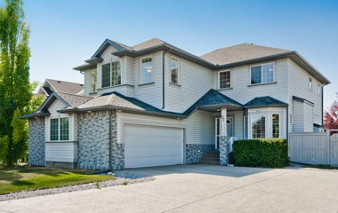 27  Simcoe Crescent Southwest