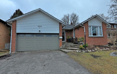 289 Plymouth Trail in Newmarket, ON