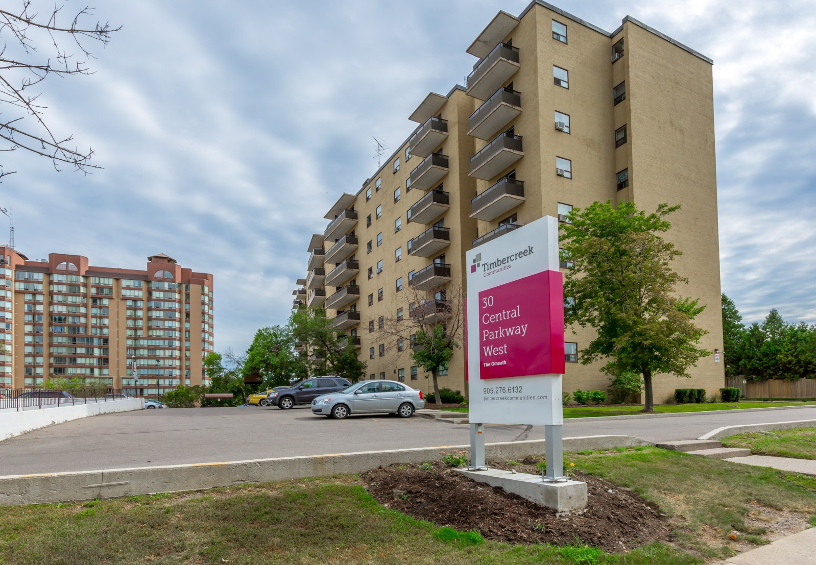 30 Central Parkway West in Mississauga, ON