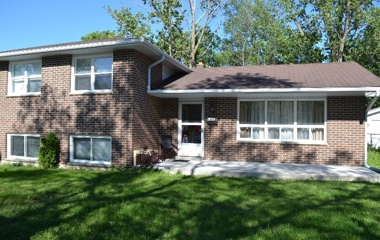 309 Duckworth Street. in Barrie, ON