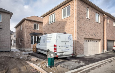 5 Bloom St in Markham, ON