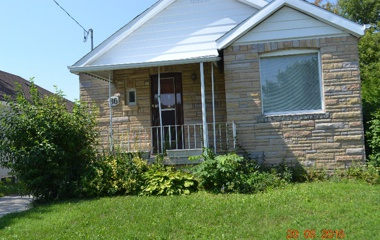 86 Leyton Ave in Scarborough, ON