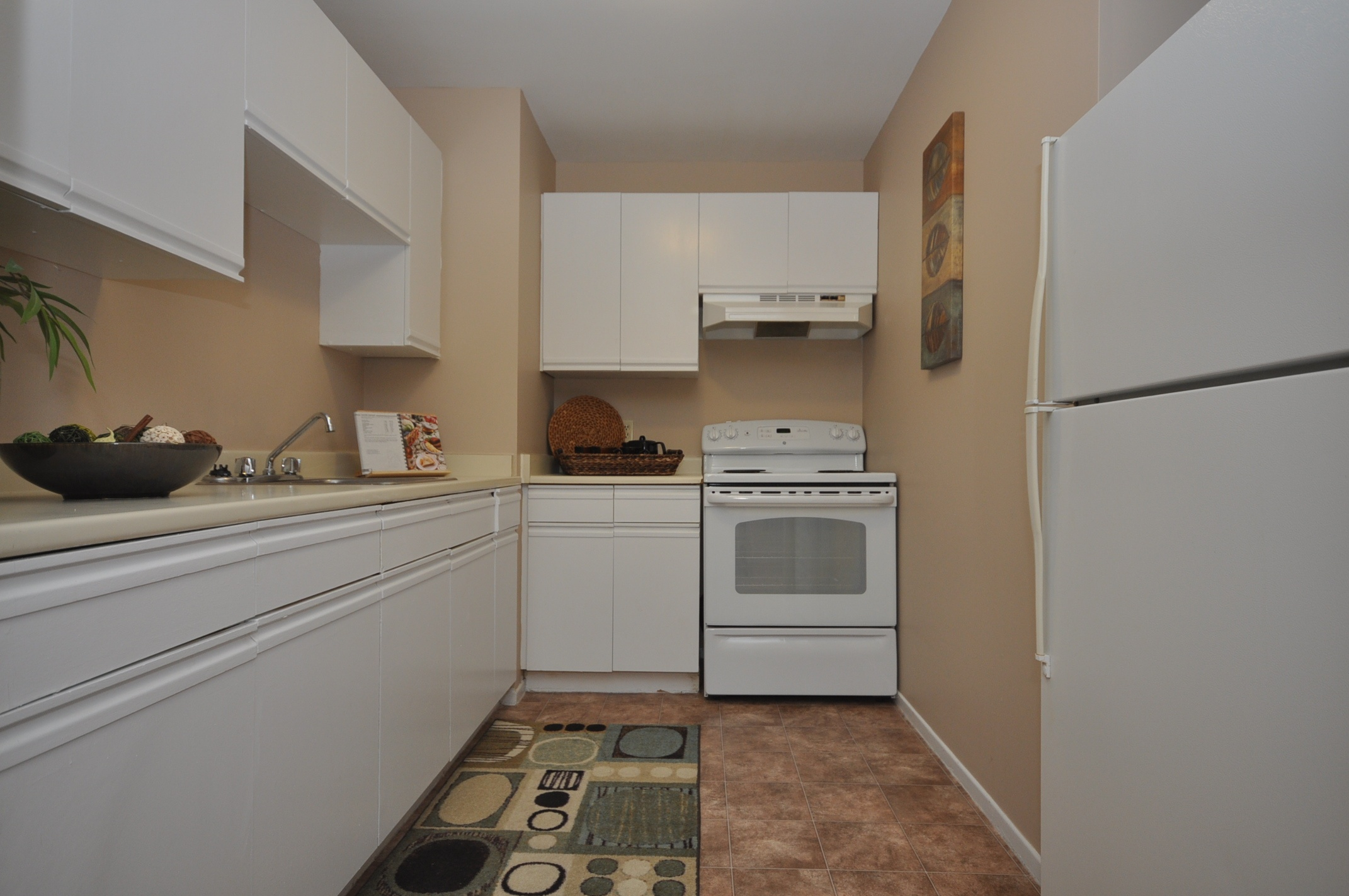 9-54 Paige Plaza Rental