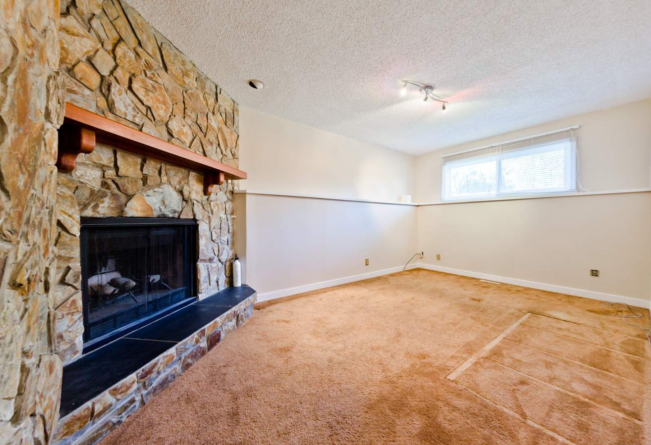 108  Woodglen Close Southwest Rental