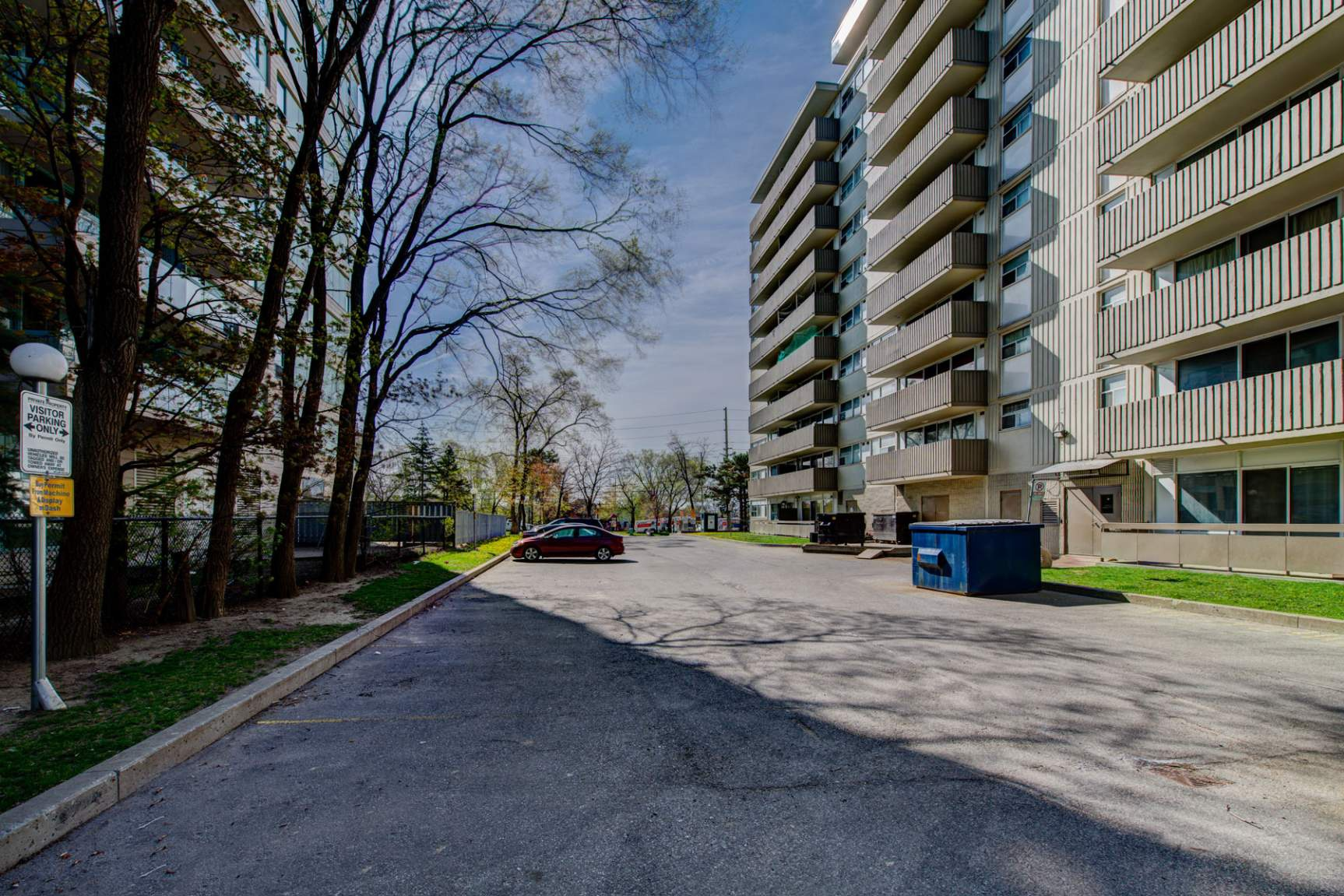 121 Agnes St. in Mississauga, ON