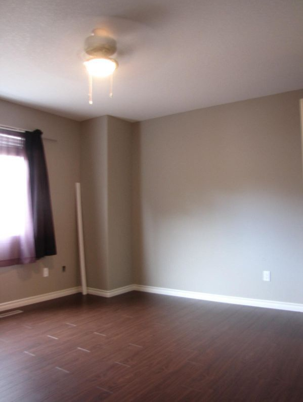 12137 124 St NW Rental
