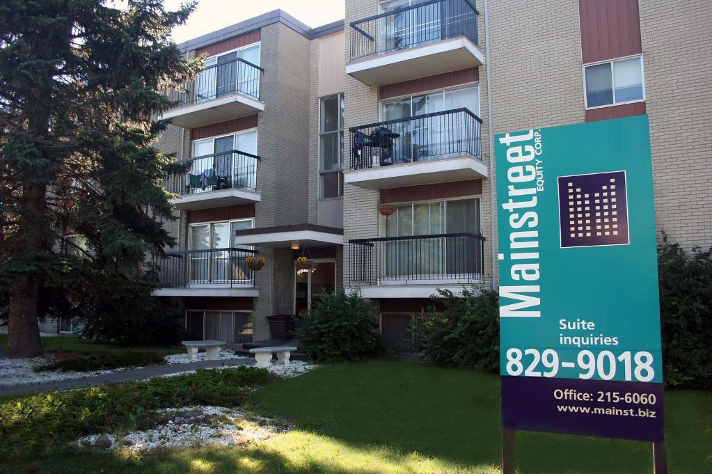 1419 - 17 Avenue NW in Calgary, AB
