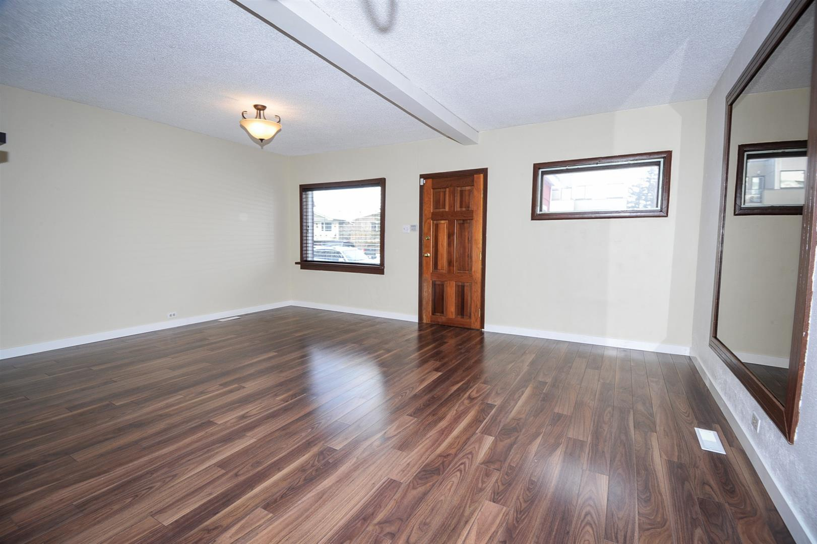 2007 5 Avenue NW in Calgary, AB