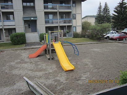 215 86 Ave SE in Calgary, AB is Now Available