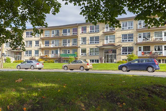 2415 Chemin Sainte-Foy in Québec City, QC is Now Available