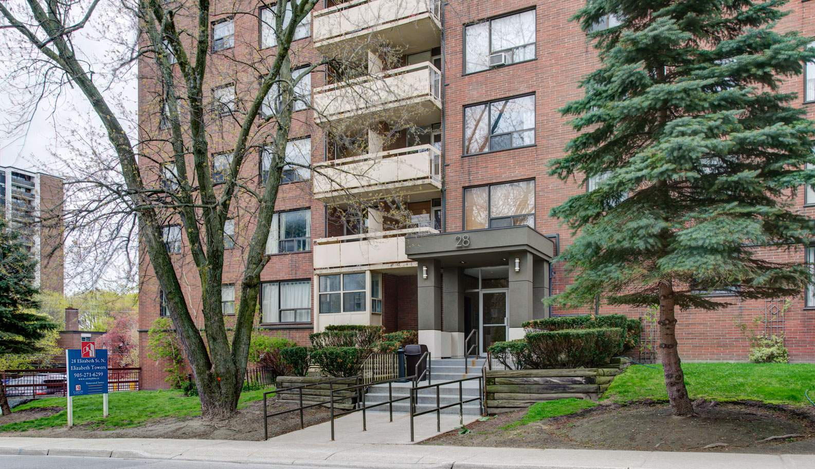 28 Elizabeth St. N. in Mississauga, ON is Now Available