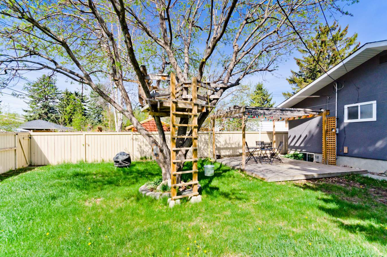 3327 35 Avenue SW in Calgary, AB is Now Available