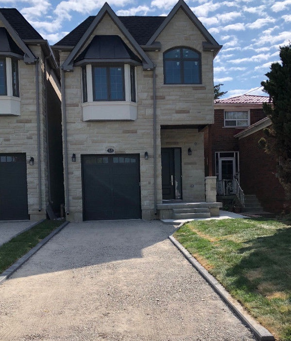 37 Lillington Ave in Scarborough, ON