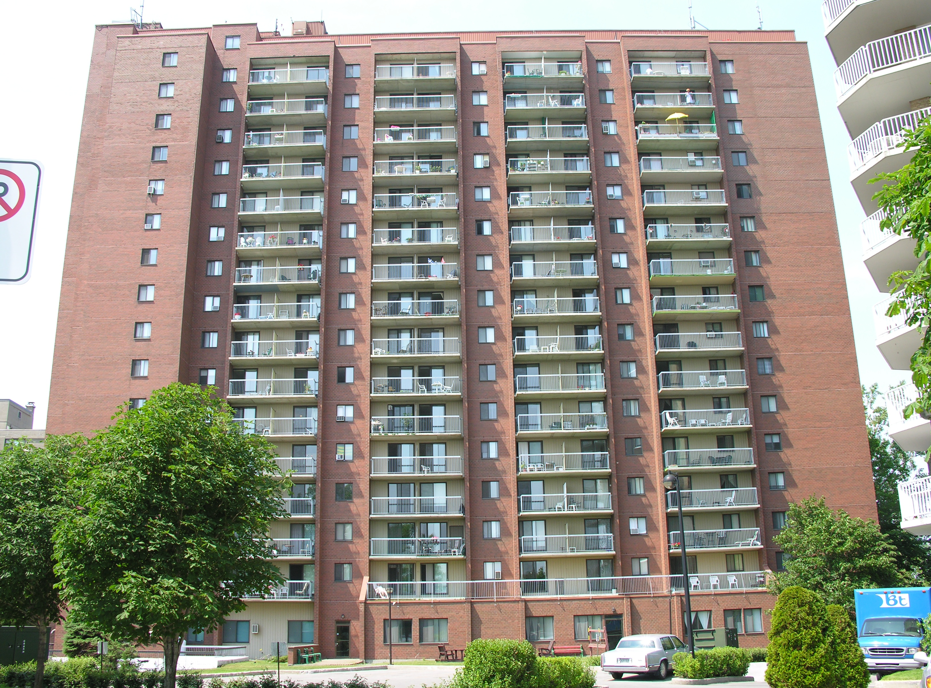 400, Place Juge Desnoyers, bureau 100 in Laval, QC is Now Available