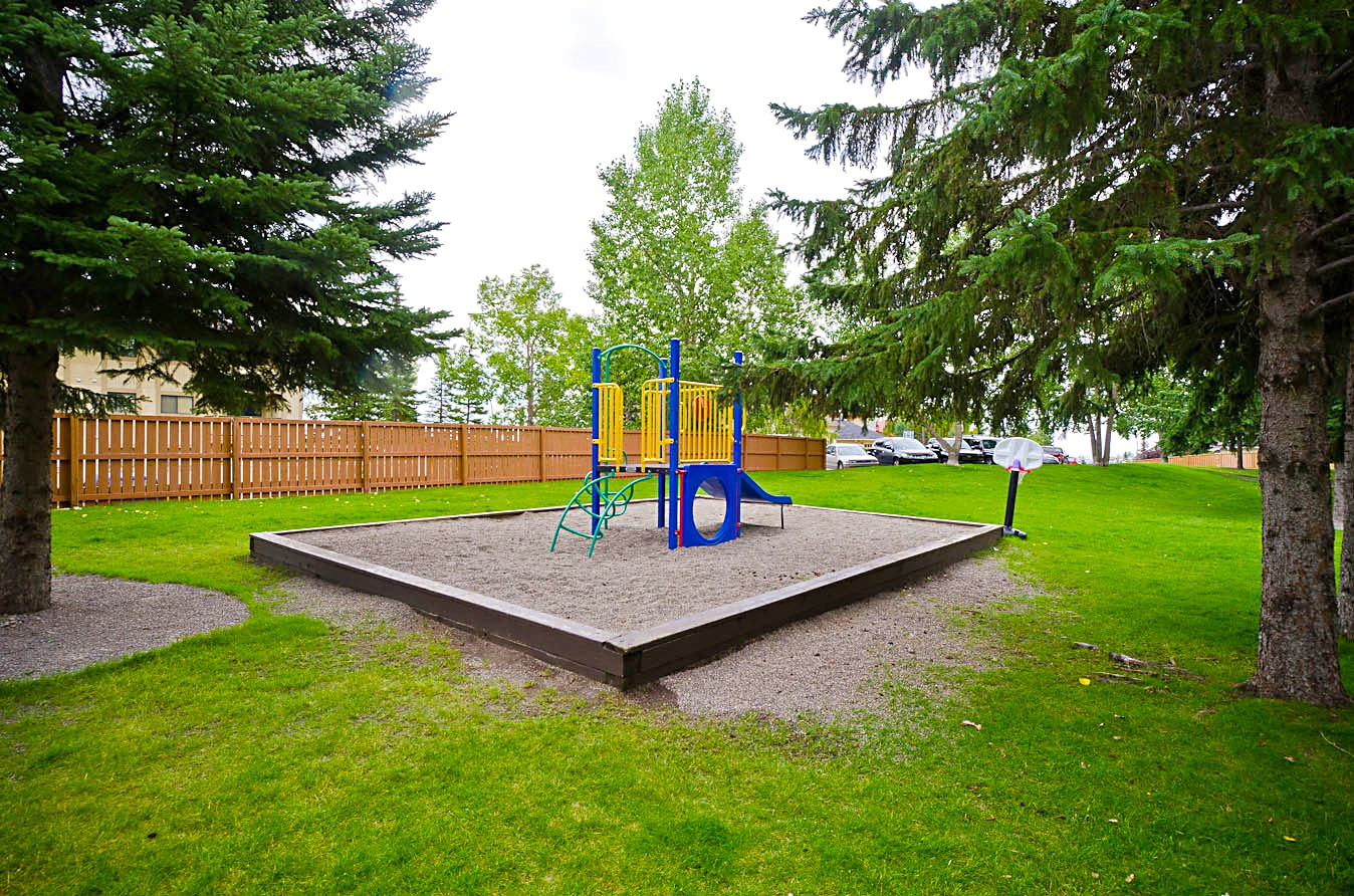 401  Patterson Hill SW in Calgary, AB