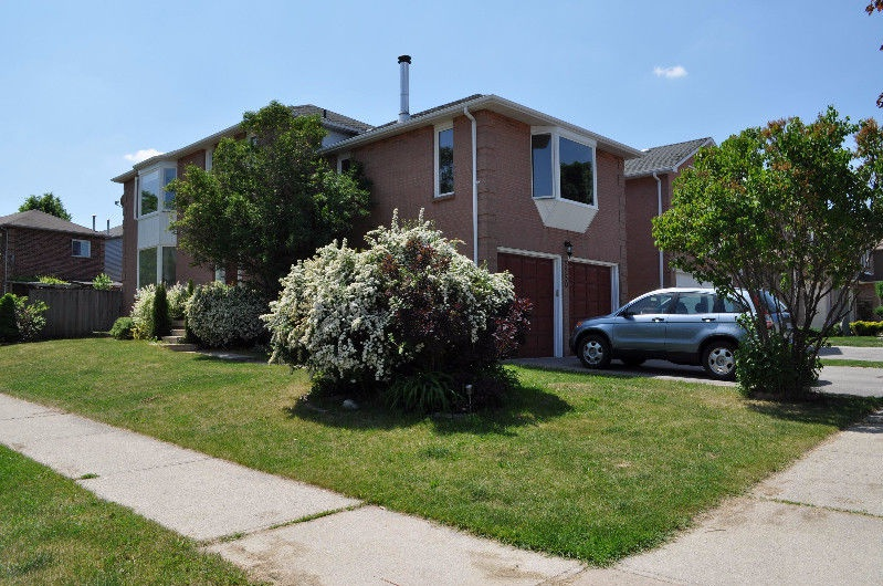 5250 Astwell Ave in Mississauga, ON is Now Available