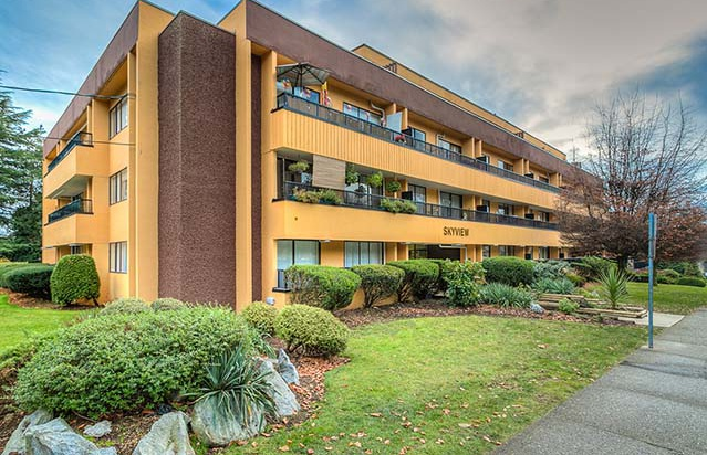 908 Sixth Avenue in New Westminster, BC