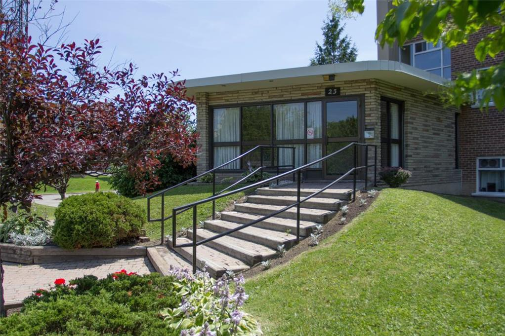 9 15 19 23 craigton dr toronto is for rent