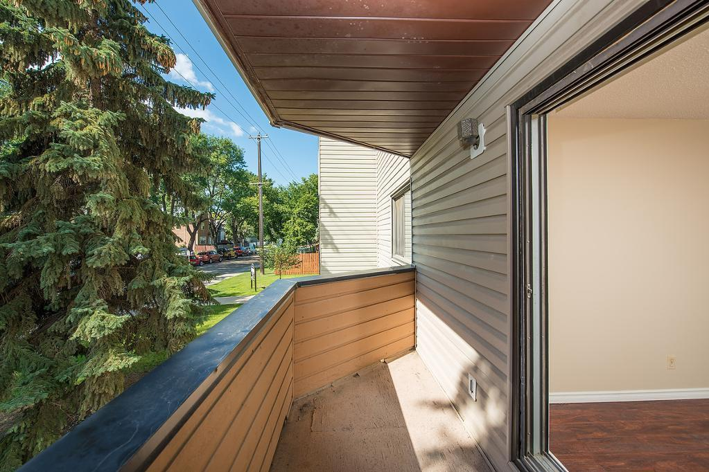 9520 - 103 Ave in Edmonton, AB