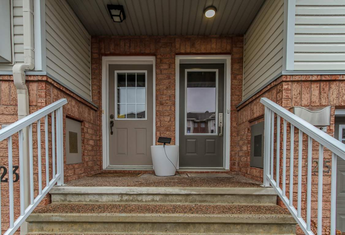 25 Manhattan Crescent in Ottawa, ON is Now Available