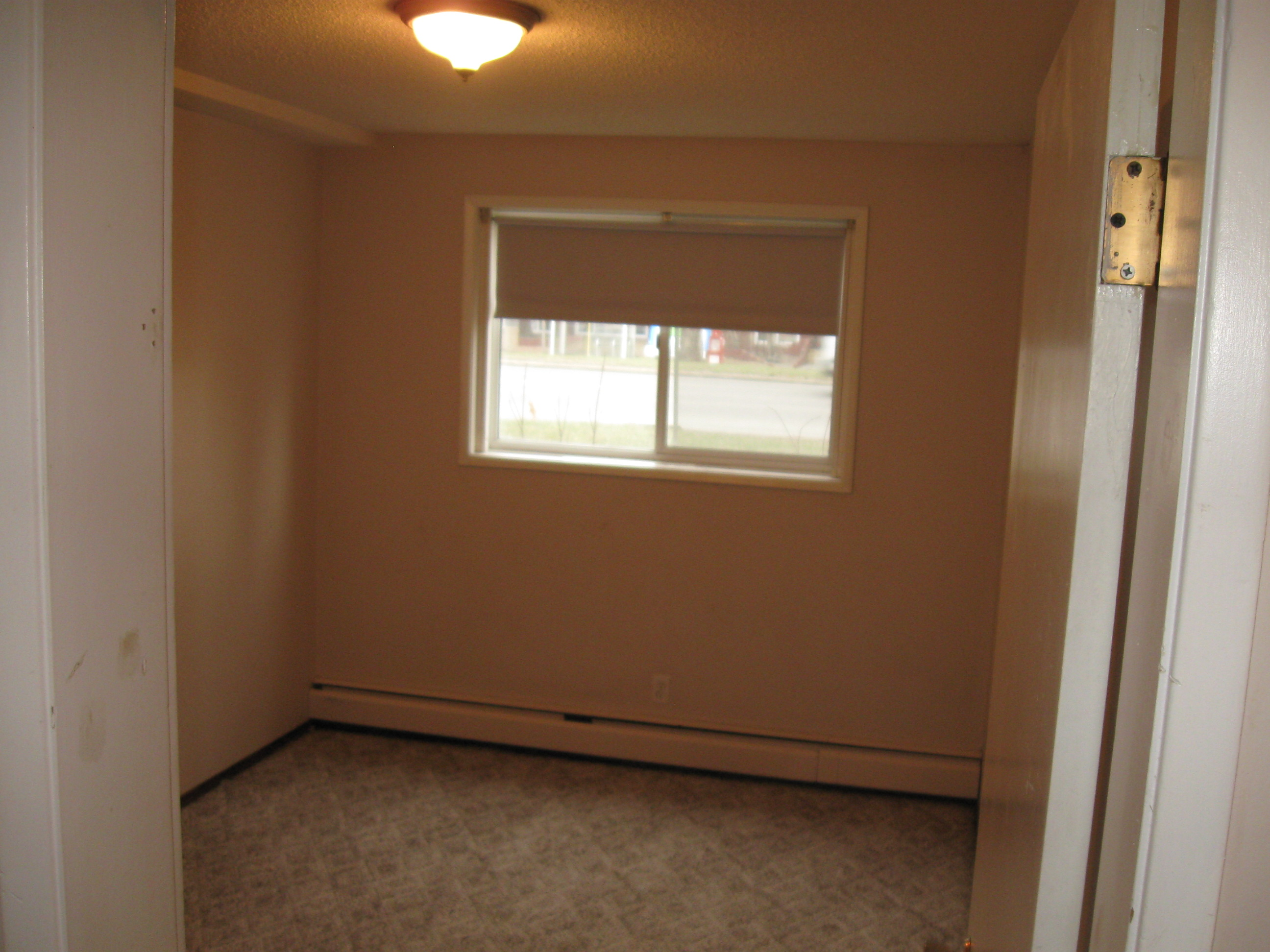 8120 97 St NW Rental