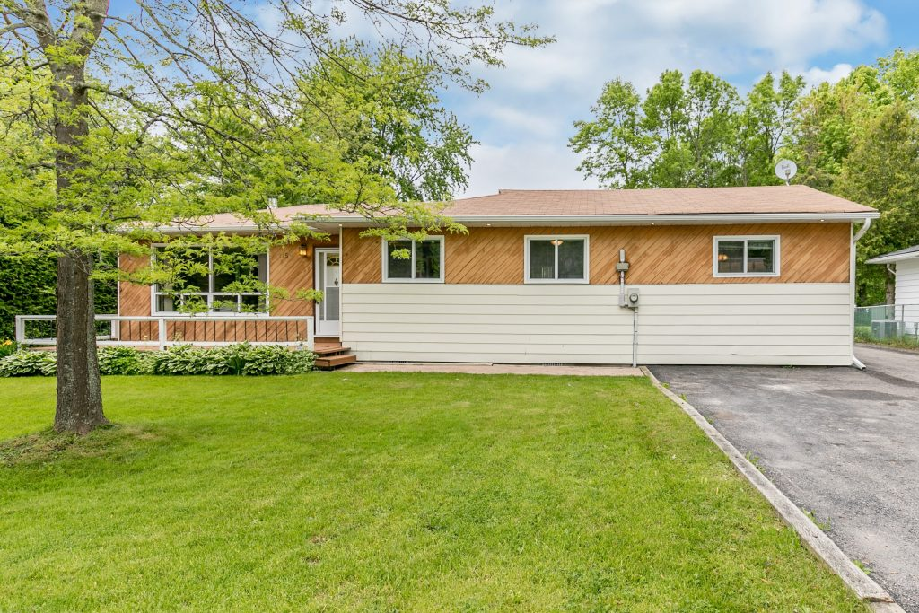 1158 Birch Rd in Innisfil, ON is Now Available