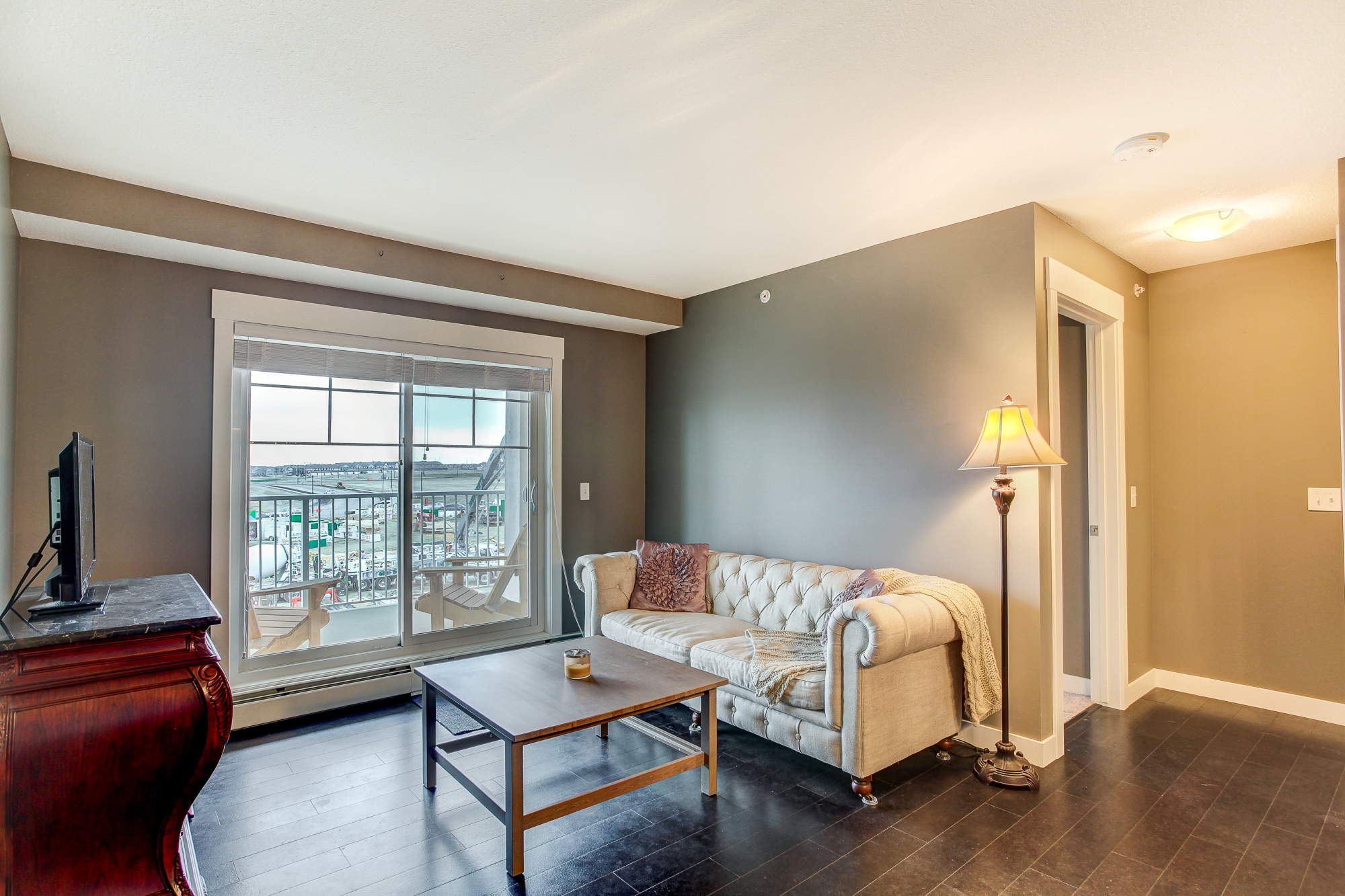 #2410, 11 Mahogany Row SE Rental