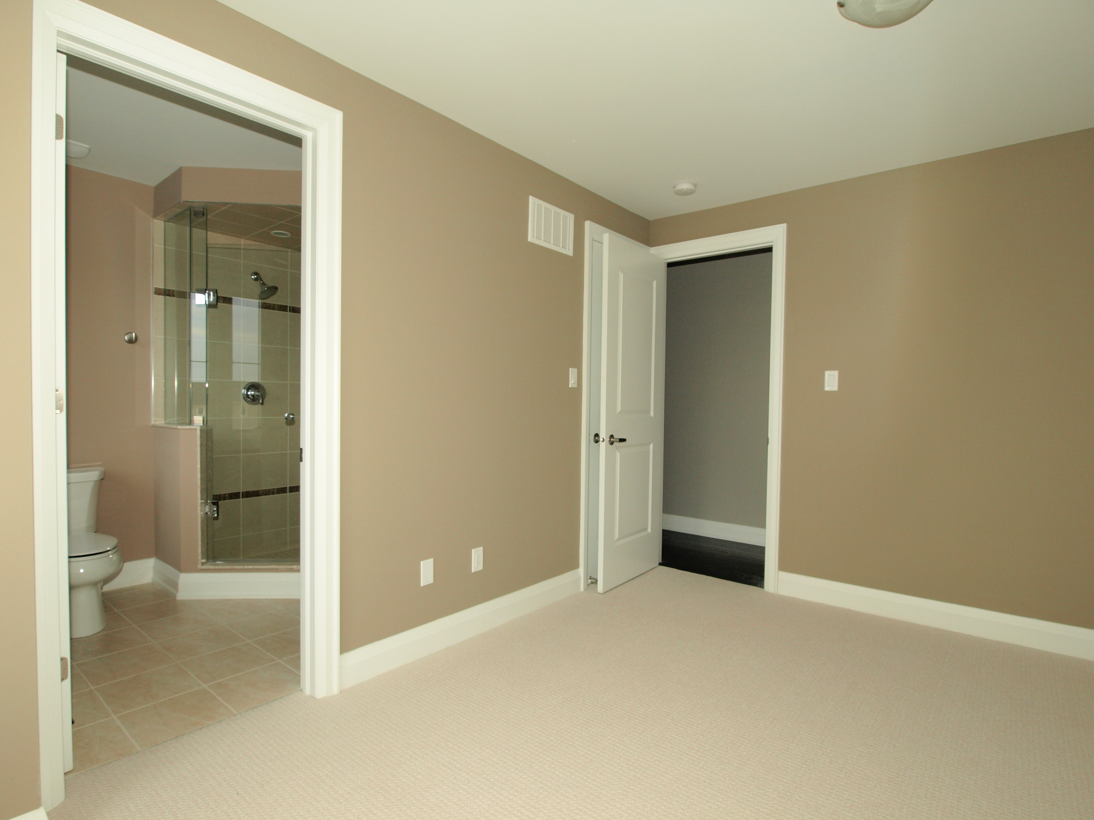2011 Deerview Common, Oakville, ON, Canada in Oakville, ON is Now Available