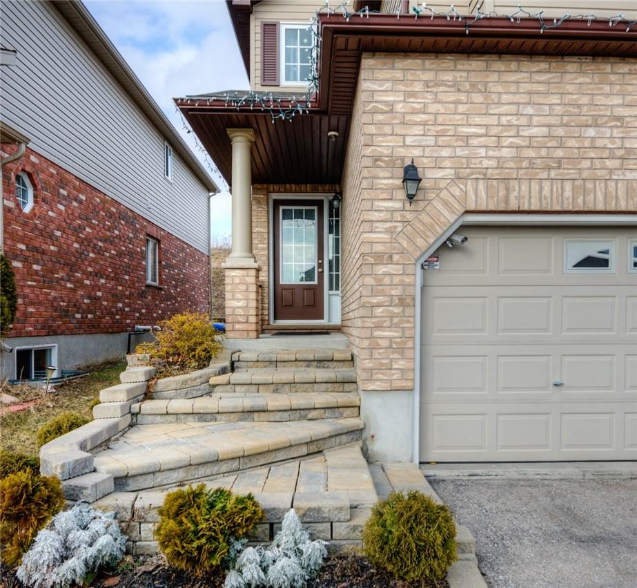 404 Tealby Crescent in Waterloo, ON