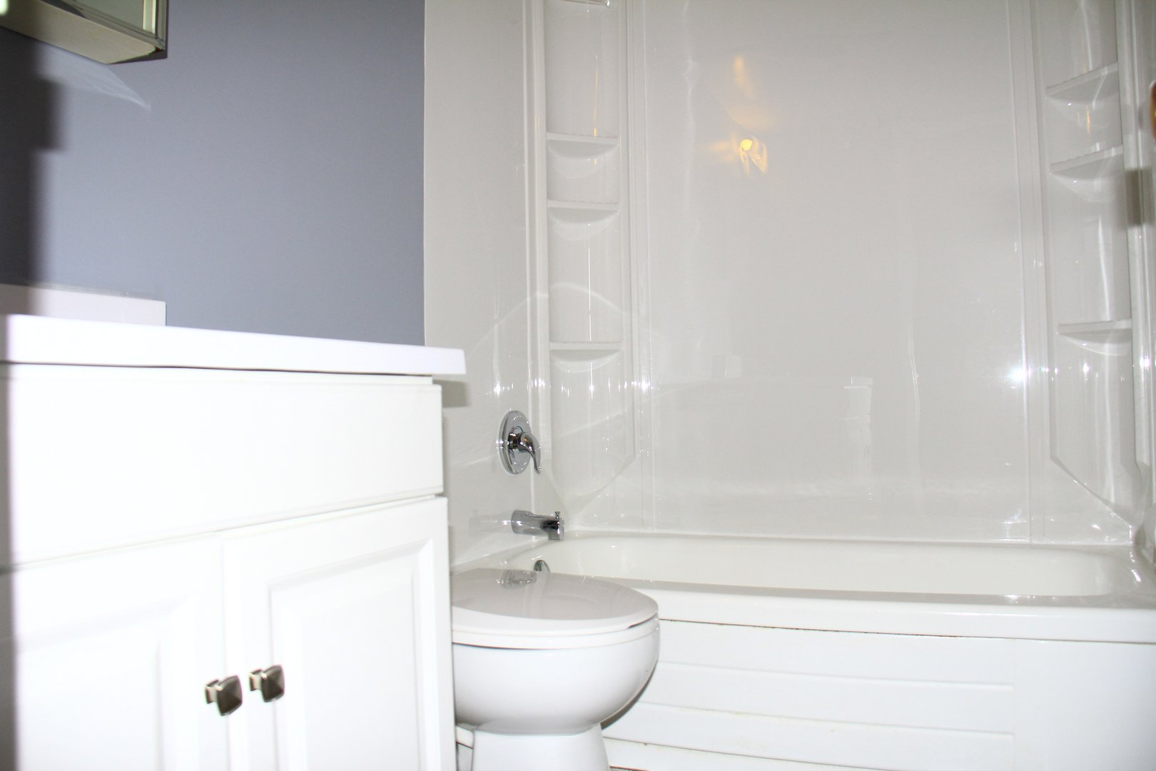Apartment for rent at 141 Main St S, Brampton, ON. This is the bathroom.